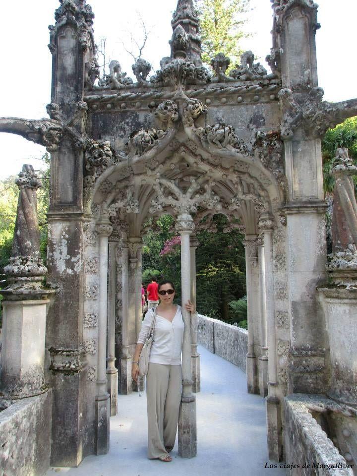 Puerta de la Quinta da Regaleira en Sintra - Los viajes de Margalliver